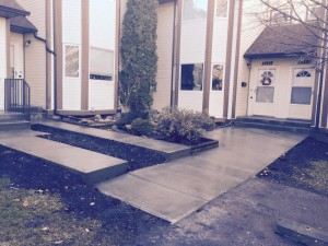 new-cement-sidewalk-and-step-install